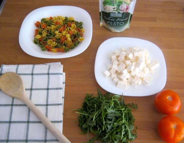 ensalada de pasta al pesto