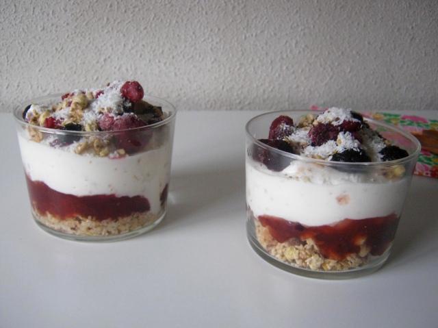postre yogurt frutas