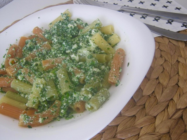 pasta espinacas requesón