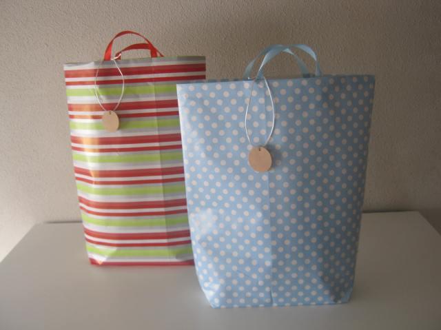 bolsa para regalo de papel